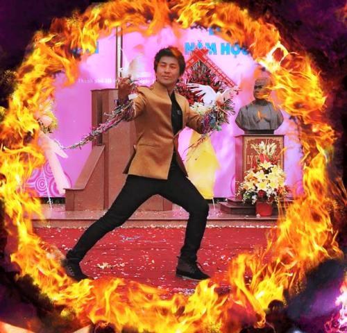 Không chỉ đi diễn ở bên ngoài, thầy giáo Phương thường biểu diễn khả năng ảo thuật trong các chương trình, hoạt động ở trường