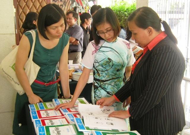TPHCM được Bộ trưởng Bộ GD-ĐT chấp thuận cho tự xây dựng khung chương trình giáo dục và bộ sách giáo khoa phù hợp với điều kiện của thành phố.