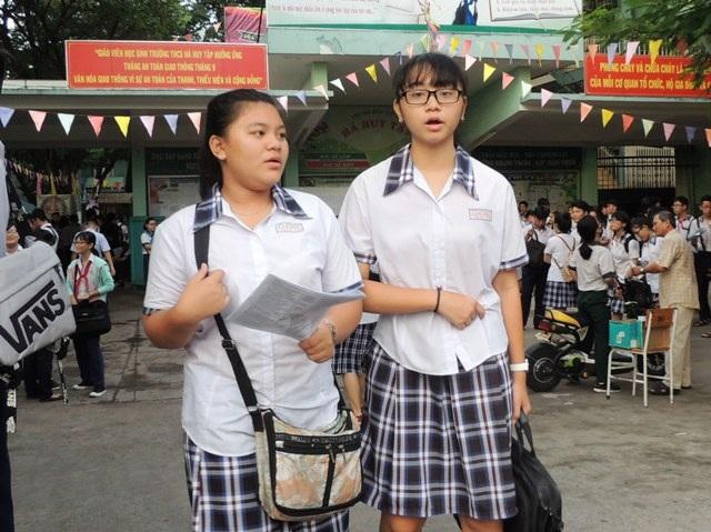 Thí sinh tại hội đồng thi Trường THCS Hà Huy Tập, quận Bình Thạnh, TPHCM. (Ảnh: Hoài Nam)