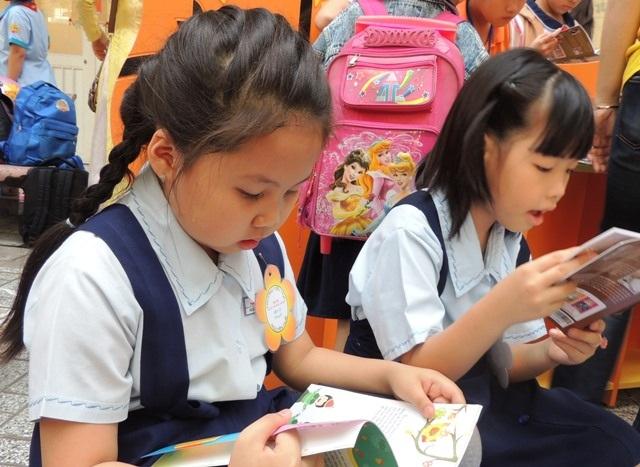 Trẻ cần có tự do trong tư duy, không phải theo sự sắp đặt hay cách nhìn của người lớn. (Ảnh minh họa)