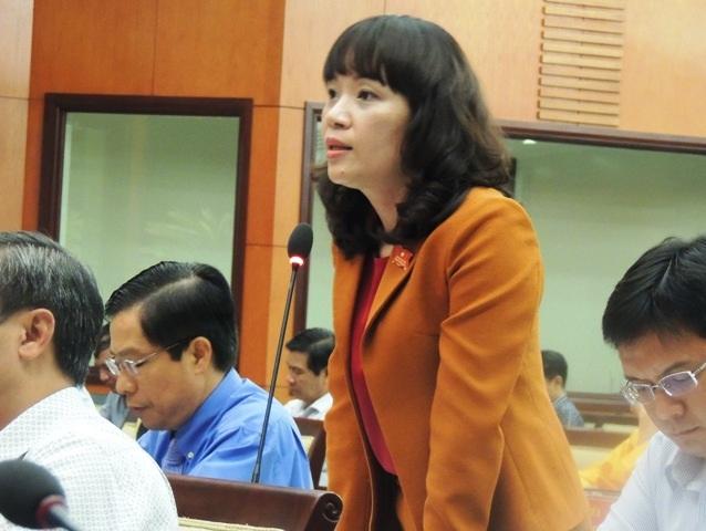 Đại biểu Phạm Thị Hồng Hà cho rằng học thêm trở thành nhu cầu đại trà của học sinh là vấn đề cần xem lại và khắc phục để trả lại môi trường bình thường cho giáo dục