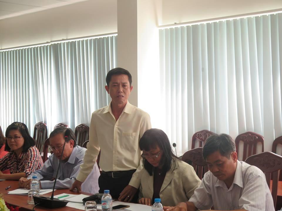 Thầy hiệu trưởng Nguyễn Văn Lợi bật khóc trước quy định cấm dạy thêm của thành phố và tâm tư giáo viên khó sống bằng nghề