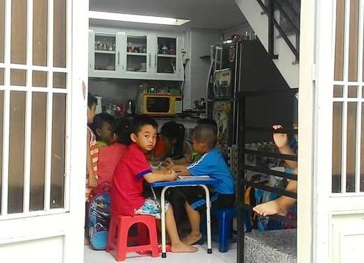 Giáo viên ở TPHCM hết đường dạy thêm học sinh của mình (Ảnh minh họa: Hoài Nam)
