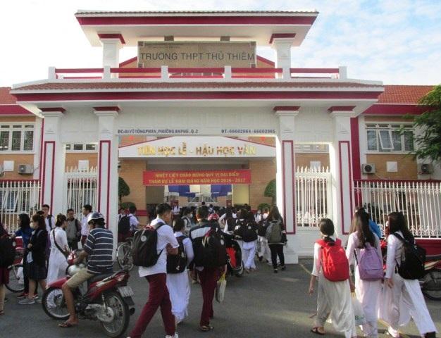 Hiệu trưởng Trường THPT Thủ Thiêm đã điều chỉnh một số khoản thu và sẽ sớm thông báo cho học sinh, phụ huynh