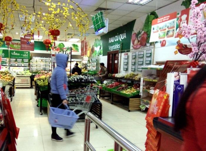 Giá hàng hóa phần lớn ổn định trong tháng Tết, trừ các mặt hàng rau quả và hoa (Ảnh minh họa: BD)