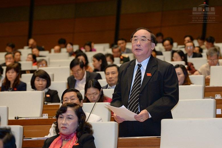 Đại biểu Trần Ngọc Vinh bày tỏ mối lo ngại trước sự gia tăng nhanh chóng của nợ công