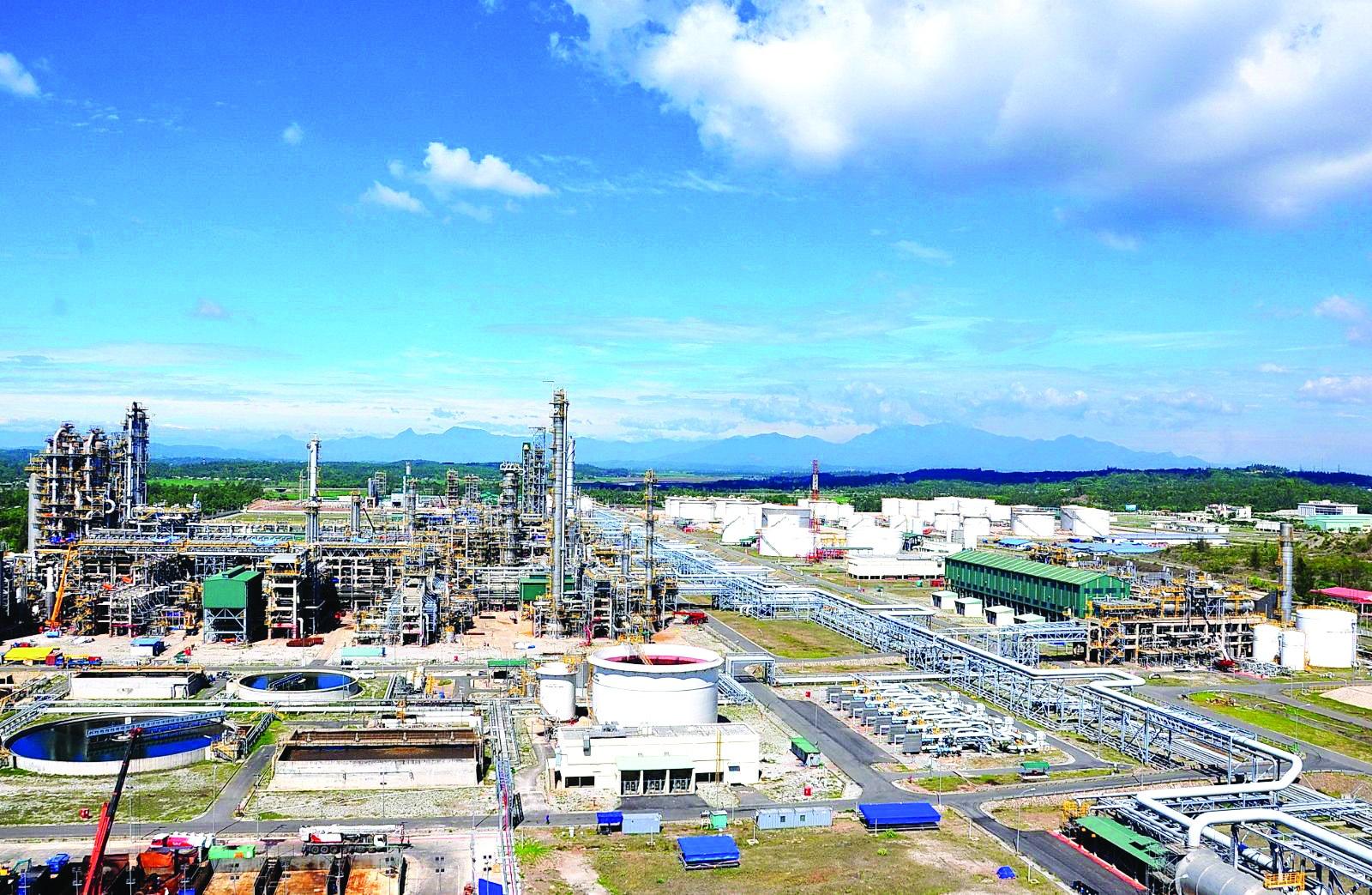 Khi phương án sửa đổi được Thủ tướng Chính phủ ký ban hành thì Công ty Bình Sơn được tự quyết định giá bán sản phẩm để cạnh tranh được với sản phẩm nhập khẩu.