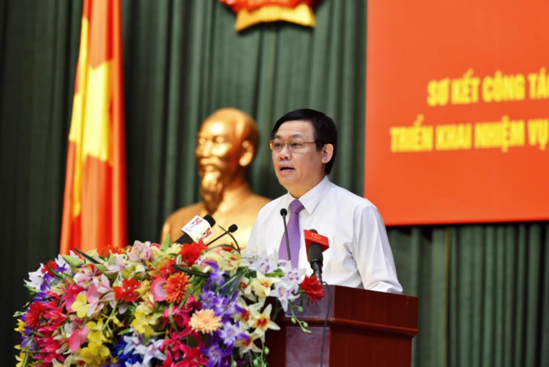 Phó Thủ tướng Vương Đình Huệ chỉ đạo tại hội nghị sơ kết ngành tài chính 6 tháng đầu năm 2016.