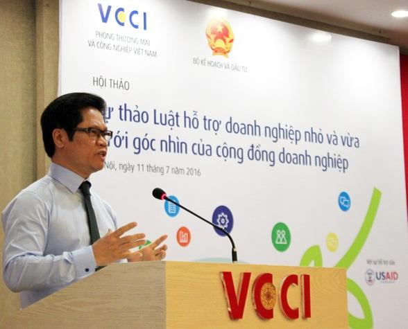 Ông Vũ Tiến Lộc, Chủ tịch VCCI phát biểu tại hội thảo (Ảnh: DĐDN)