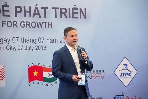 Ông Trần Nhất Minh - Phó Tổng giám đốc VIB chia sẻ tại hội nghị Lãnh đạo doanh nghiệp Việt Nam 2016