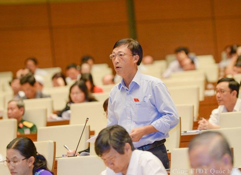 Đại biểu Trần Xuân Hùng cho biết, tổng công ty Nhà nước đang sử dụng khoảng 155 triệu m2 đất trong đó nhiều đơn vị nhà đất rất lớn; nguồn đất chưa sử dụng khoảng 3,16 triệu ha