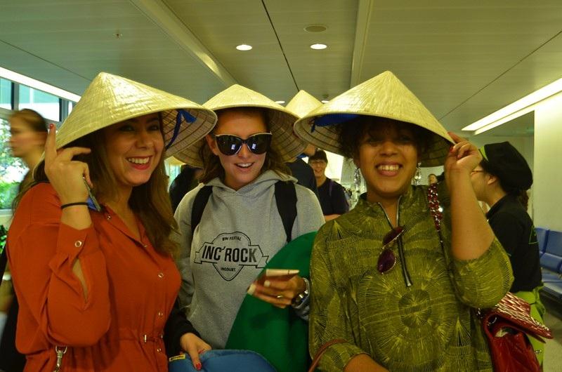 Khách du lịch đến với Việt Nam ngày đầu năm 2016.