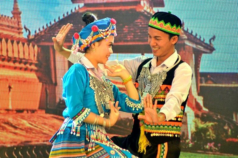 Đôi vũ công người Malaysia.