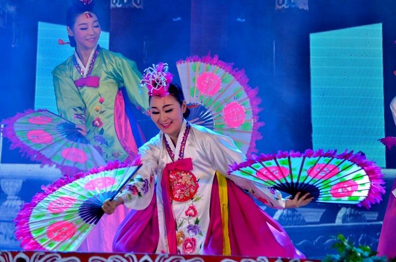 Điệu múa truyền thống của Hàn Quốc.