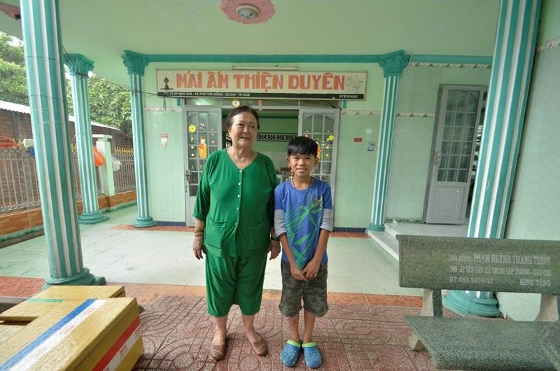 Ngôi nhà ngay phía sau má Mười xây để làm nơi sinh hoạt, học tập… cho những bé lành lặn, khỏe mạnh.