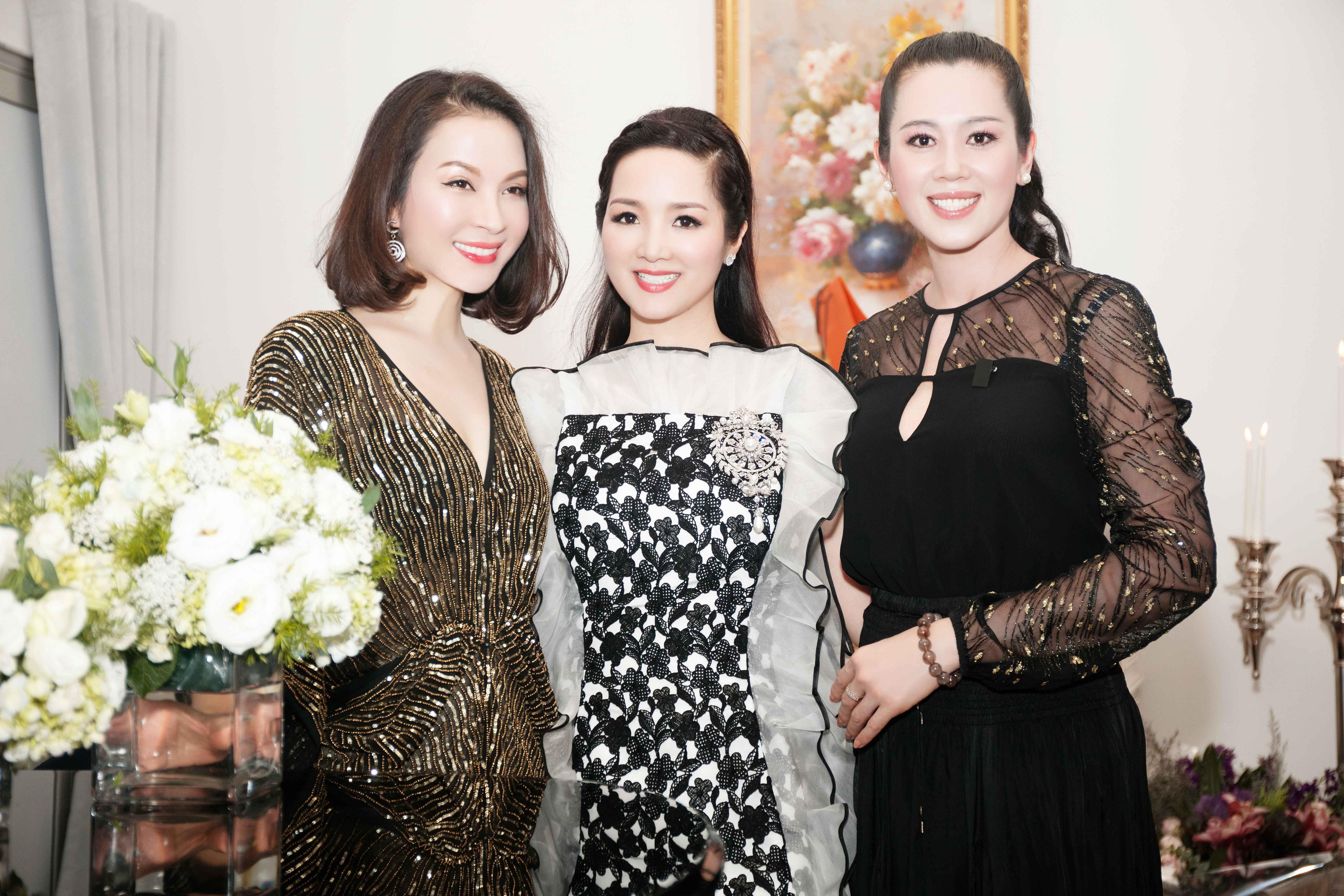 Á hậu Vi Thị Đông bất ngờ xuất hiện trong sinh nhật Giáng My - 1