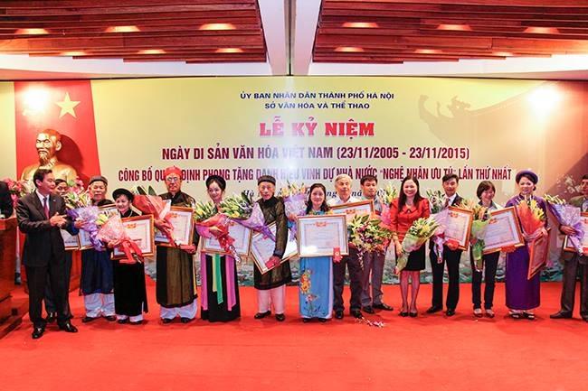 Lễ trao bằng vinh danh Nghệ nhân Ưu tú cho các nghệ nhân tại Hà Nội hôm 23/11 vừa qua.