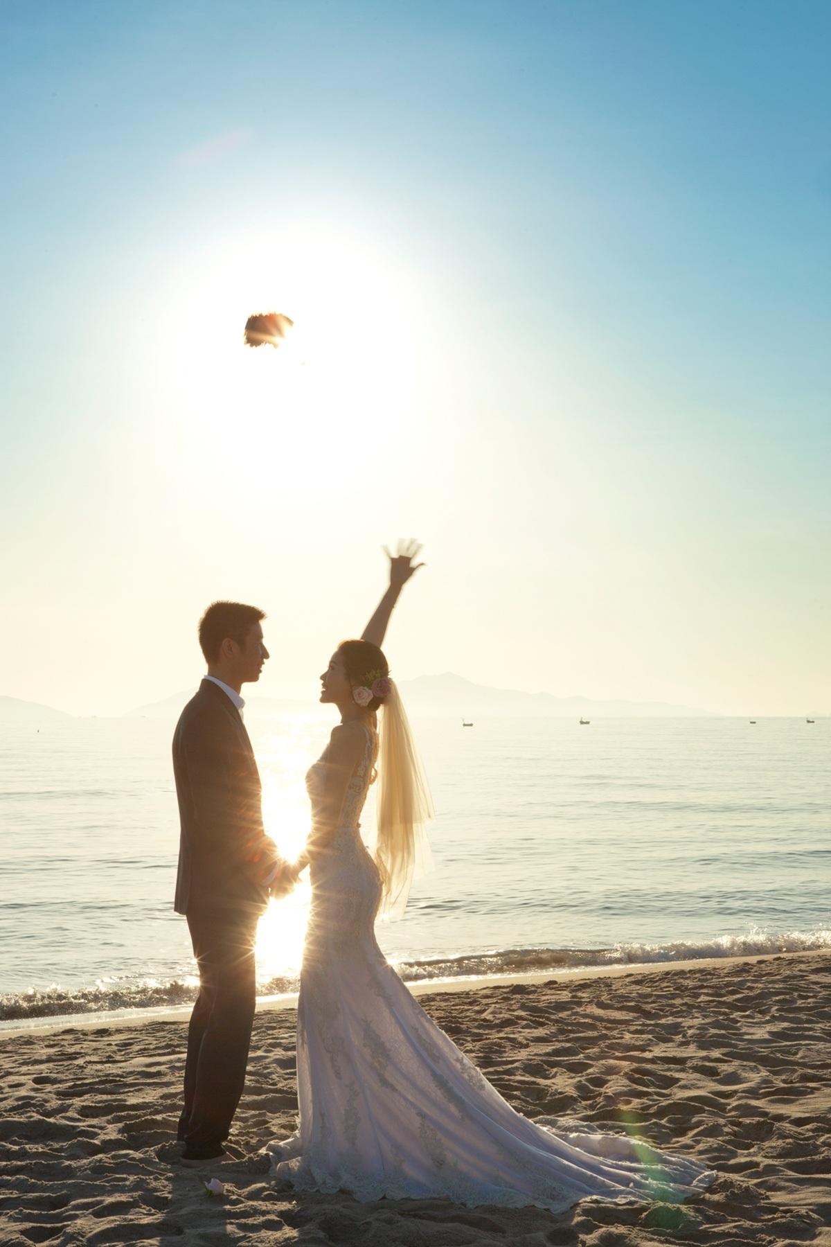 Á hậu Diễm Trang khoe ảnh cưới ngọt ngào, lãng mạn - 6