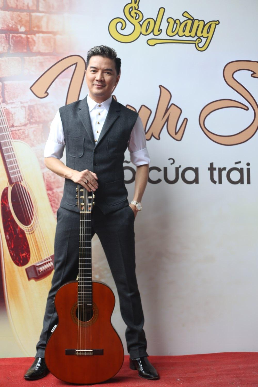 Đàm Vĩnh Hưng cho biết, anh thần tượng nhạc sỹ Vinh Sử từ khi còn bé. Ảnh: TL.