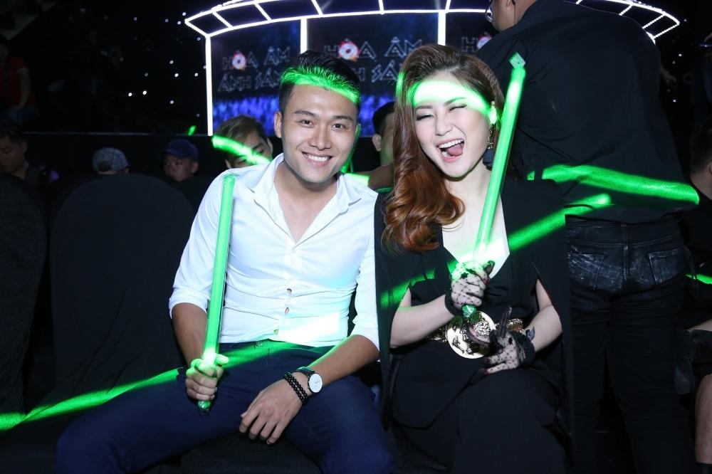 Trong The Remix Hương Tràm là thí sinh đặc biệt được giám khảo và khán giả chú ý đến thời trang và vũ đạo của cô.