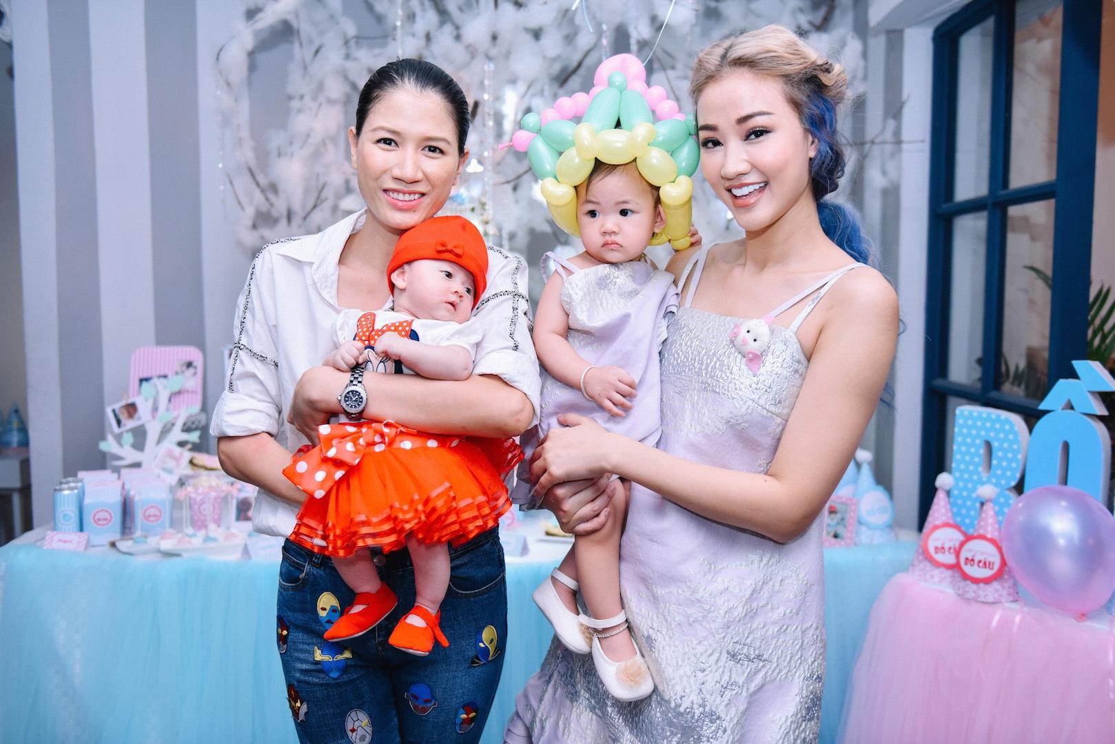 Đặc biệt, ca sĩ Thanh Thảo, người mẫu Trang Trần còn đưa con, cháu ruột để cùng vui chơi, thổi nến sinh nhật cùng với con gái Maya. Sự xuất hiện của đông đảo các bạn nhỏ đã khiến cho buổi tiệc trở nên vui vẻ, náo nhiệt hơn.