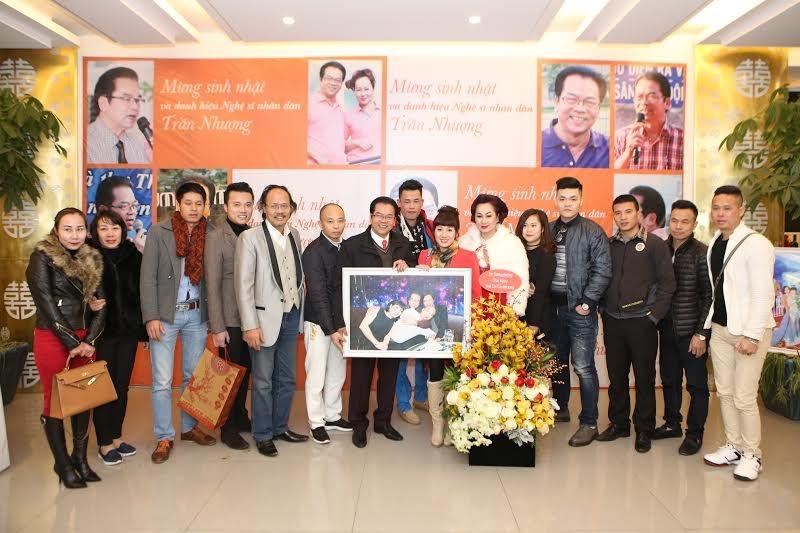 Nghệ sỹ Trần Nhượng tổ chức tiệc mừng được phong danh hiệu NSND - 8