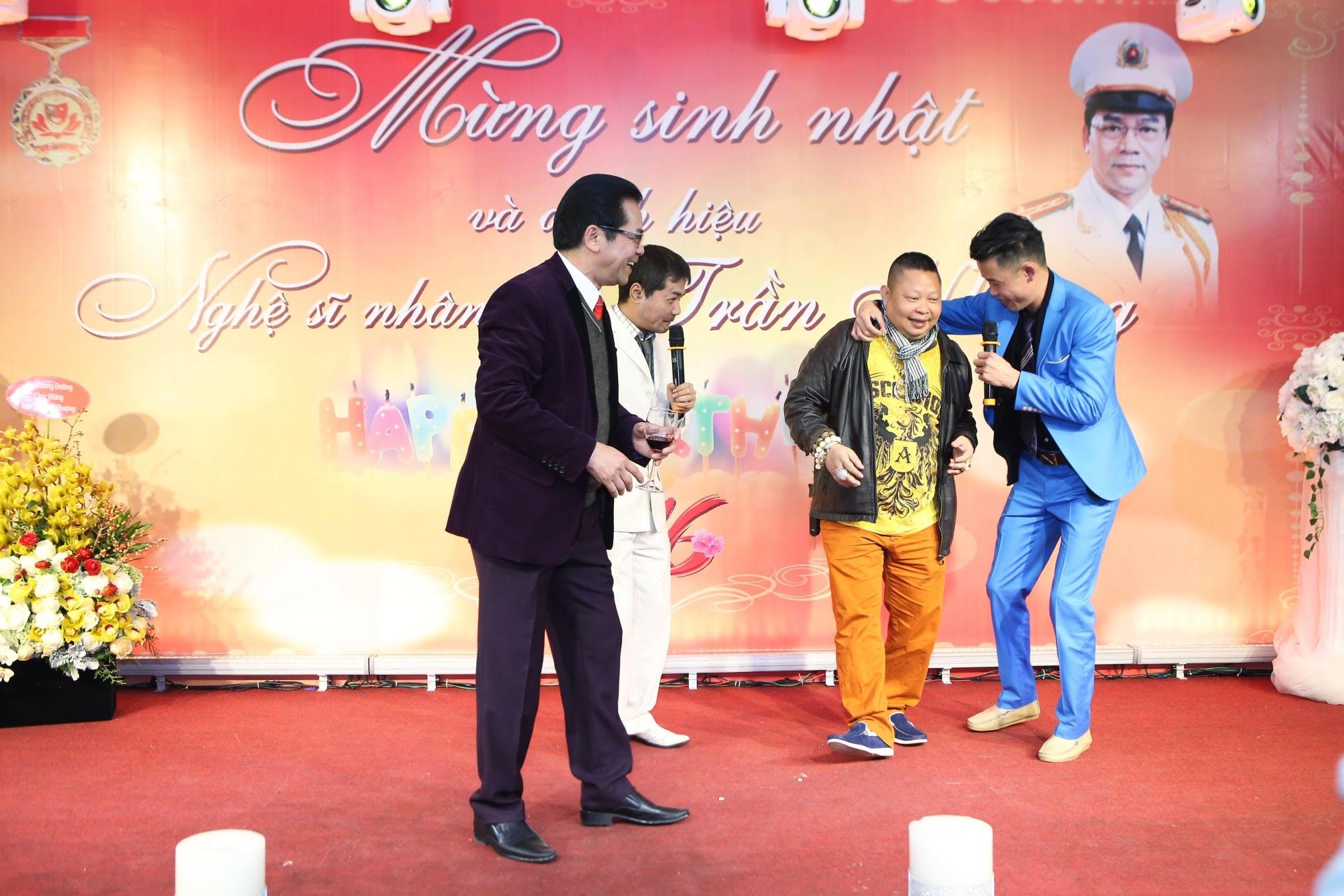 Nghệ sỹ Trần Nhượng tổ chức tiệc mừng được phong danh hiệu NSND - 4