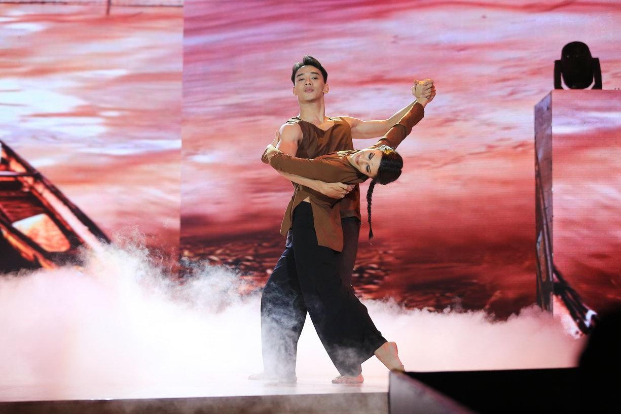 Thuận Nguyễn và bạn nhảy mang đến một câu chuyện đầy xúc cảm.