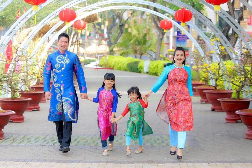 Những hình ảnh hạnh phúc của sao Việt sáng mồng 1 Tết - 3