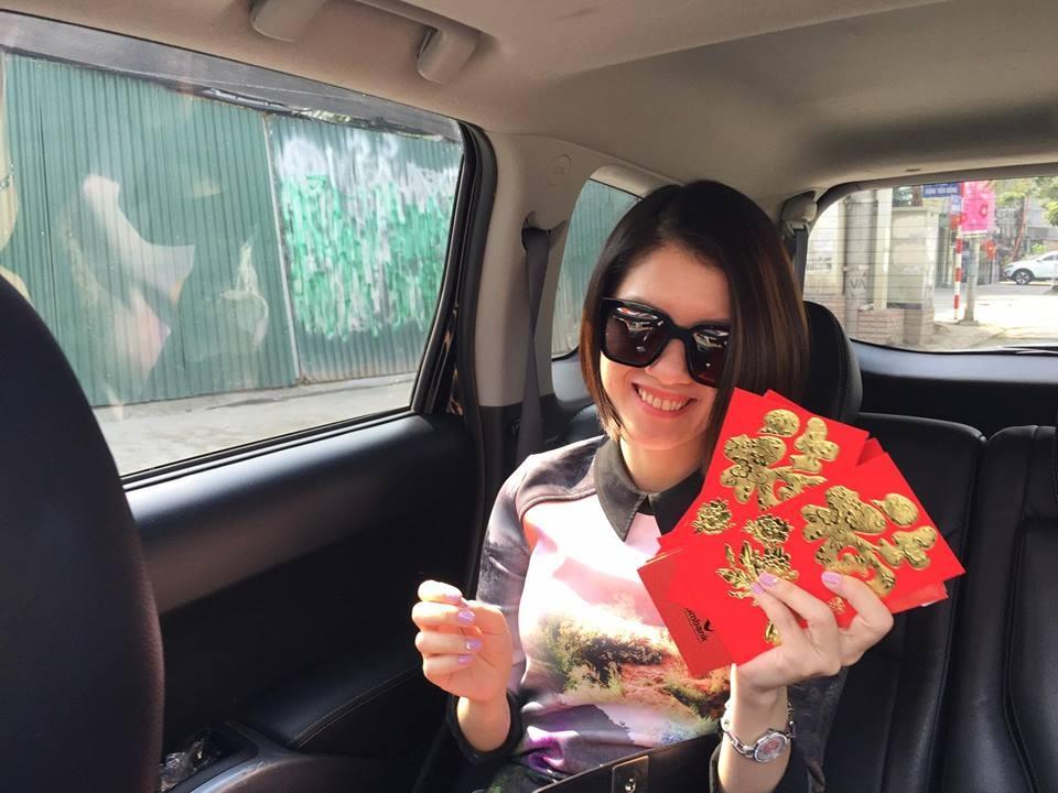 Những hình ảnh hạnh phúc của sao Việt sáng mồng 1 Tết - 14