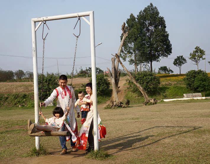 Những hình ảnh hạnh phúc của sao Việt sáng mồng 1 Tết - 16