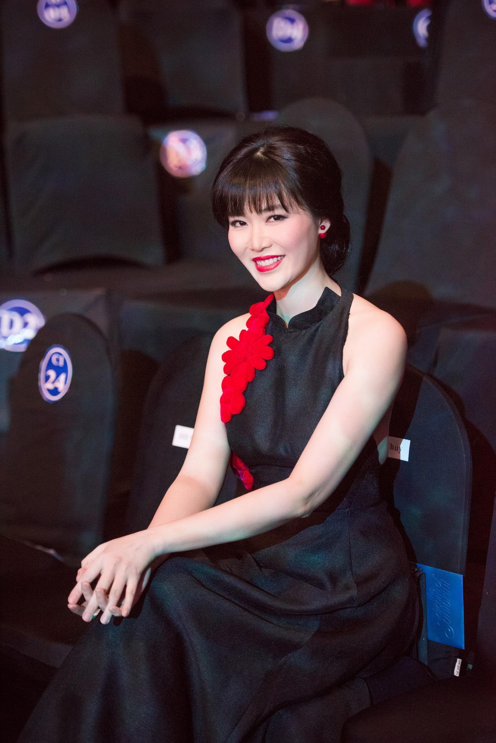 Phải lâu lắm rồi Hoa hậu Việt Nam 1994 mới tái xuất trong một sự kiện dành cho giới giải trí. Ảnh: Chí Linh.