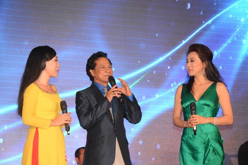 Năm 2007, sau nhiều năm bôn ba nơi xứ người, ông theo một đoàn văn hóa của UNESCO về thăm lại và biểu diễn tại Việt Nam. Năm 2011, ông tổ chức liveshow 30 năm tái ngộ tại Hà Nội.
