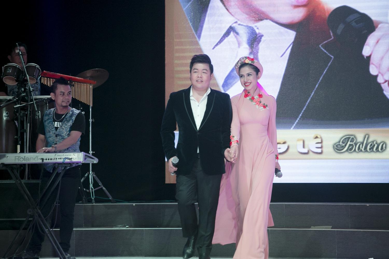 Việt Trinh diện áo dài kết hoa song ca với Quang Lê - 4