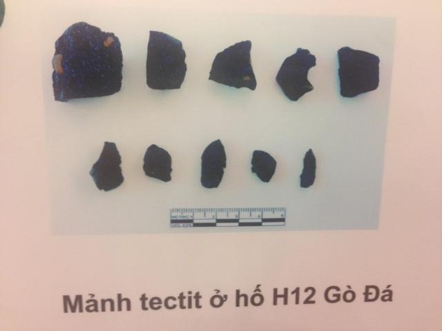 Các hiện vật thu được chứng minh sự có mặt của người Việt cổ cách đây 80 vạn năm ở An Khê. Ảnh: HTL.