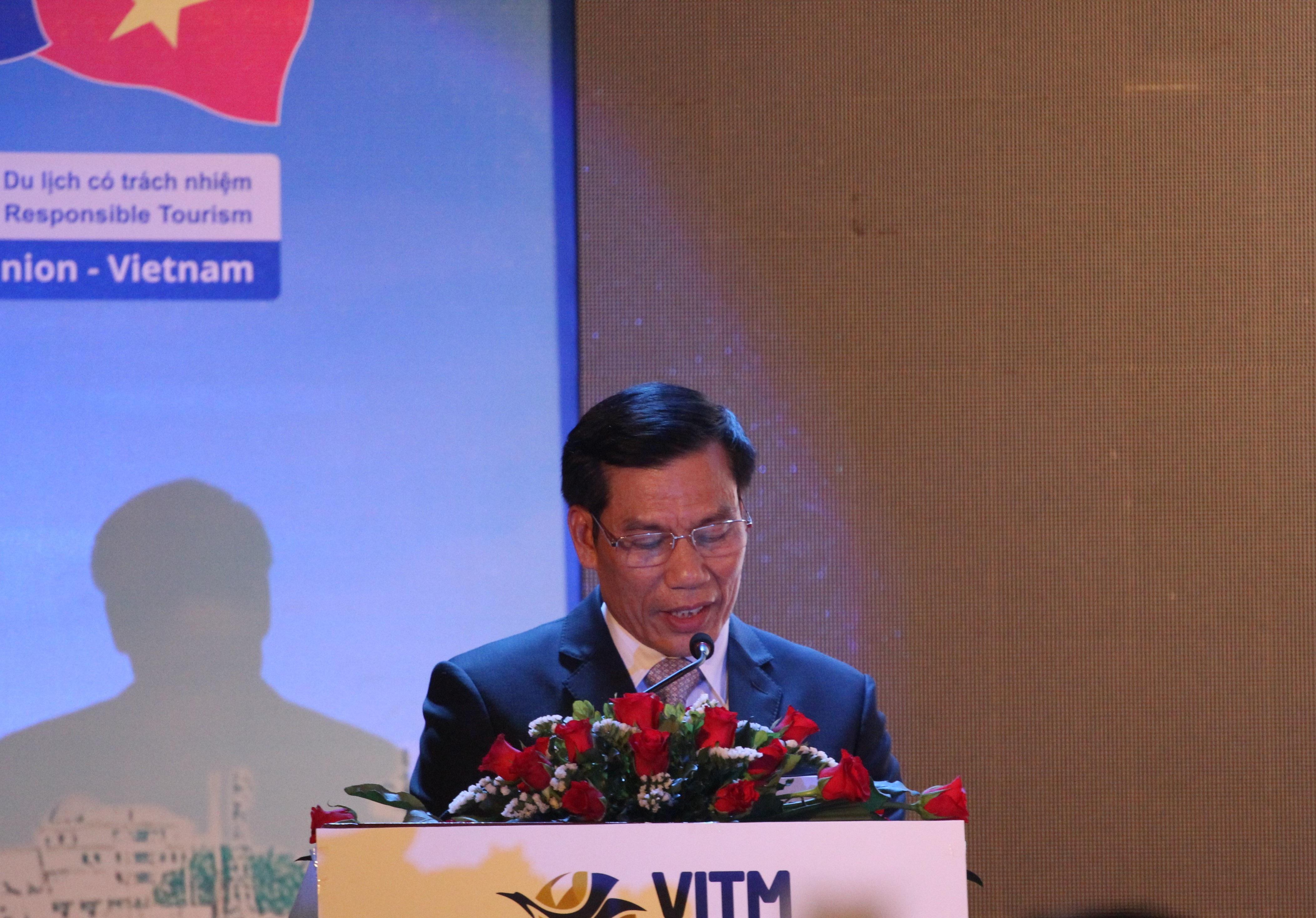 Tân Bộ trưởng Nguyễn Ngọc Thiện phát biểu khai mạc VITM Hà Nội 2016. Ảnh: Hữu Thắng.