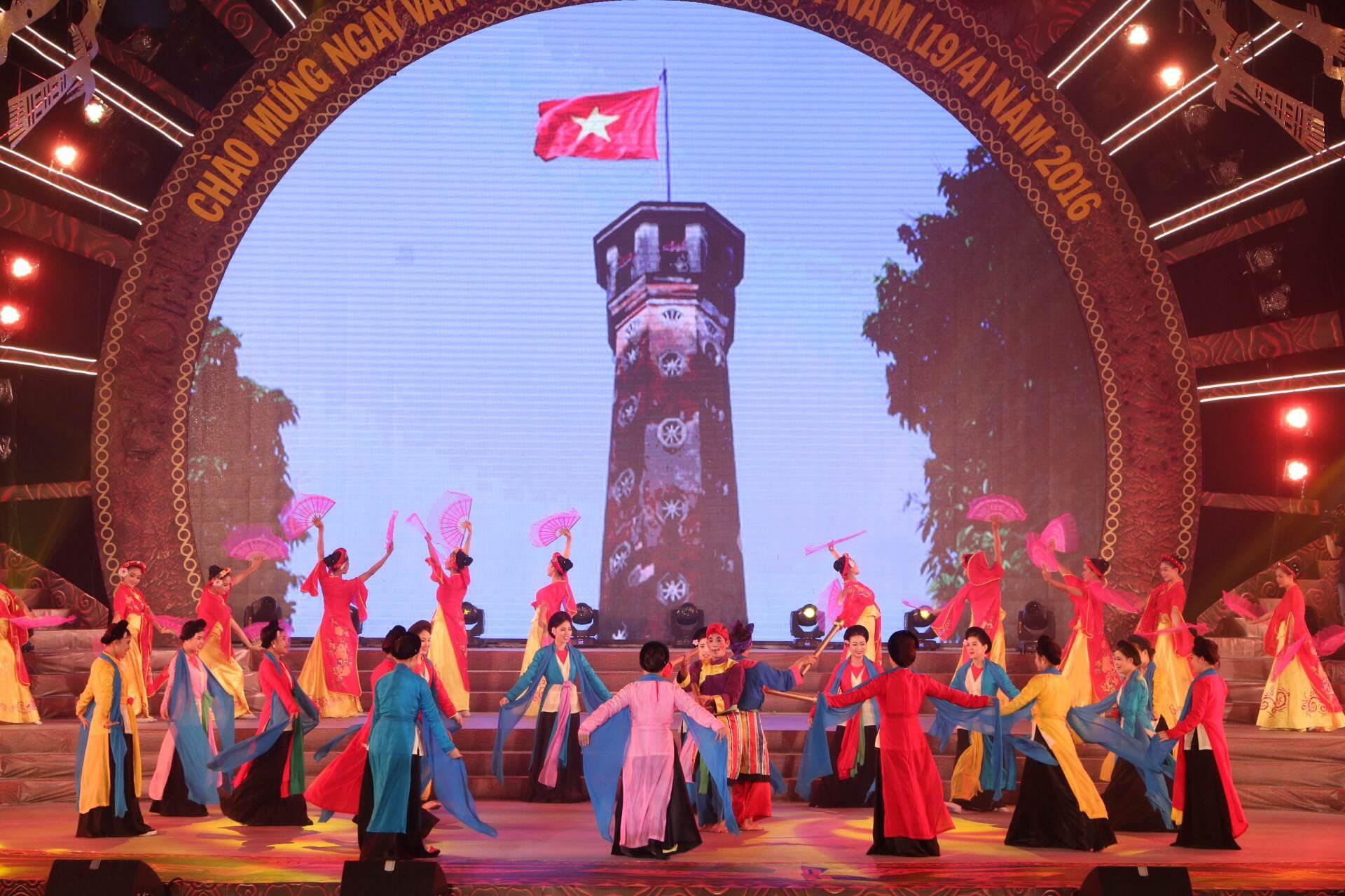 Các tiết mục văn nghệ góp mặt trong đêm khai mạc Ngày Văn hóa các dân tộc Việt Nam đều mang đậm bản sắc của 54 dân tộc anh em.