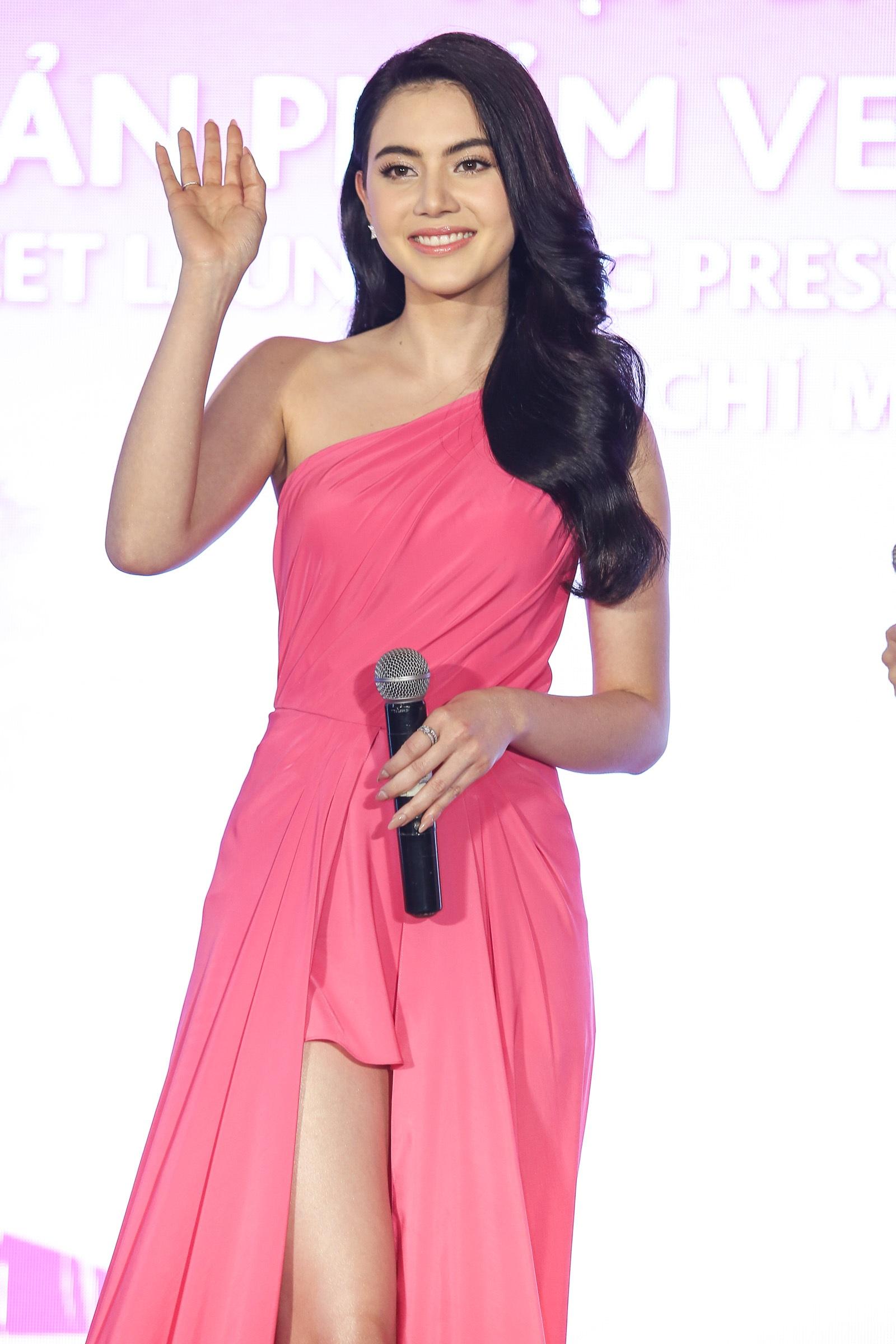Mỹ nhân đẹp nhất Thái Lan đọ dáng cùng Tú Vi - 3
