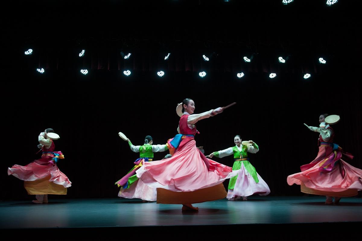Đoàn múa nổi tiếng xứ Hàn sẽ biểu diễn nhiều tiết mục đặc sắc, đậm bản sắc xứ Kim Chi. Ảnh: NHTT.