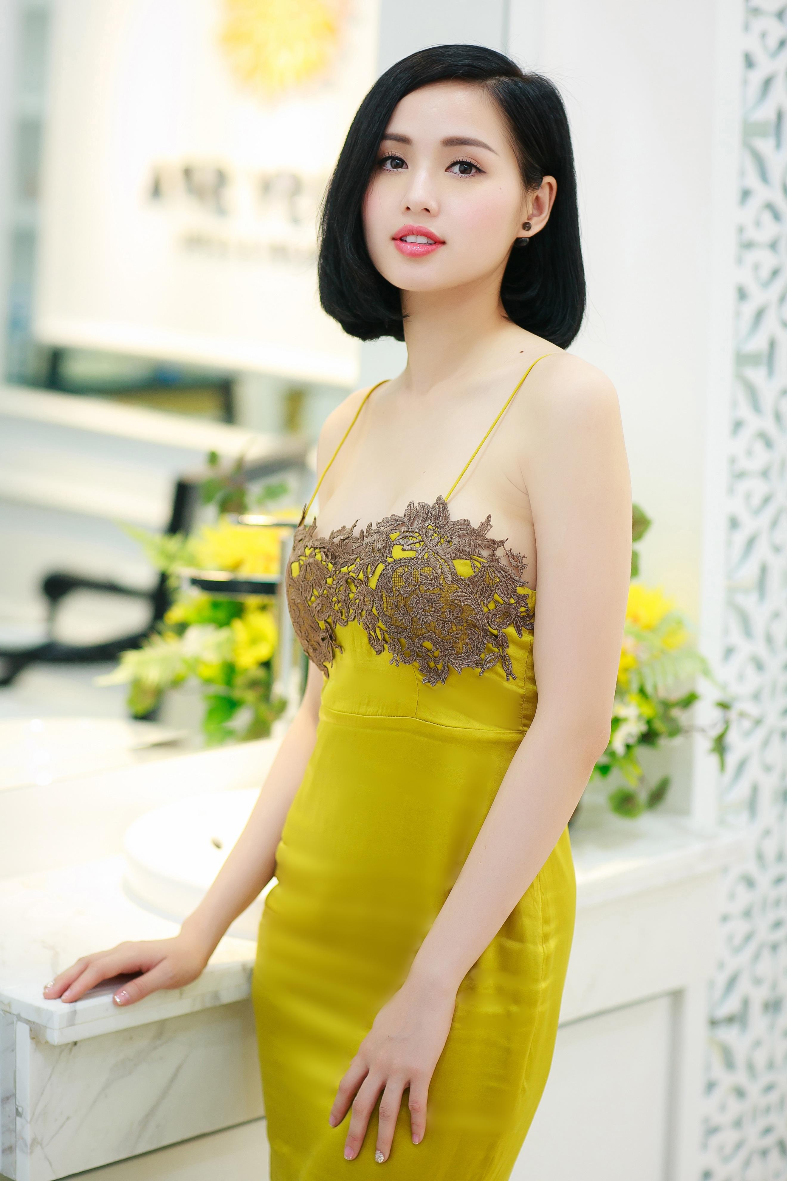 """Là 1 trong số những hot girl đời đầu của làng giải trí Việt, Tâm Tít vẫn giữ được độ """"hot"""" cho tới thời điểm hiện tại."""