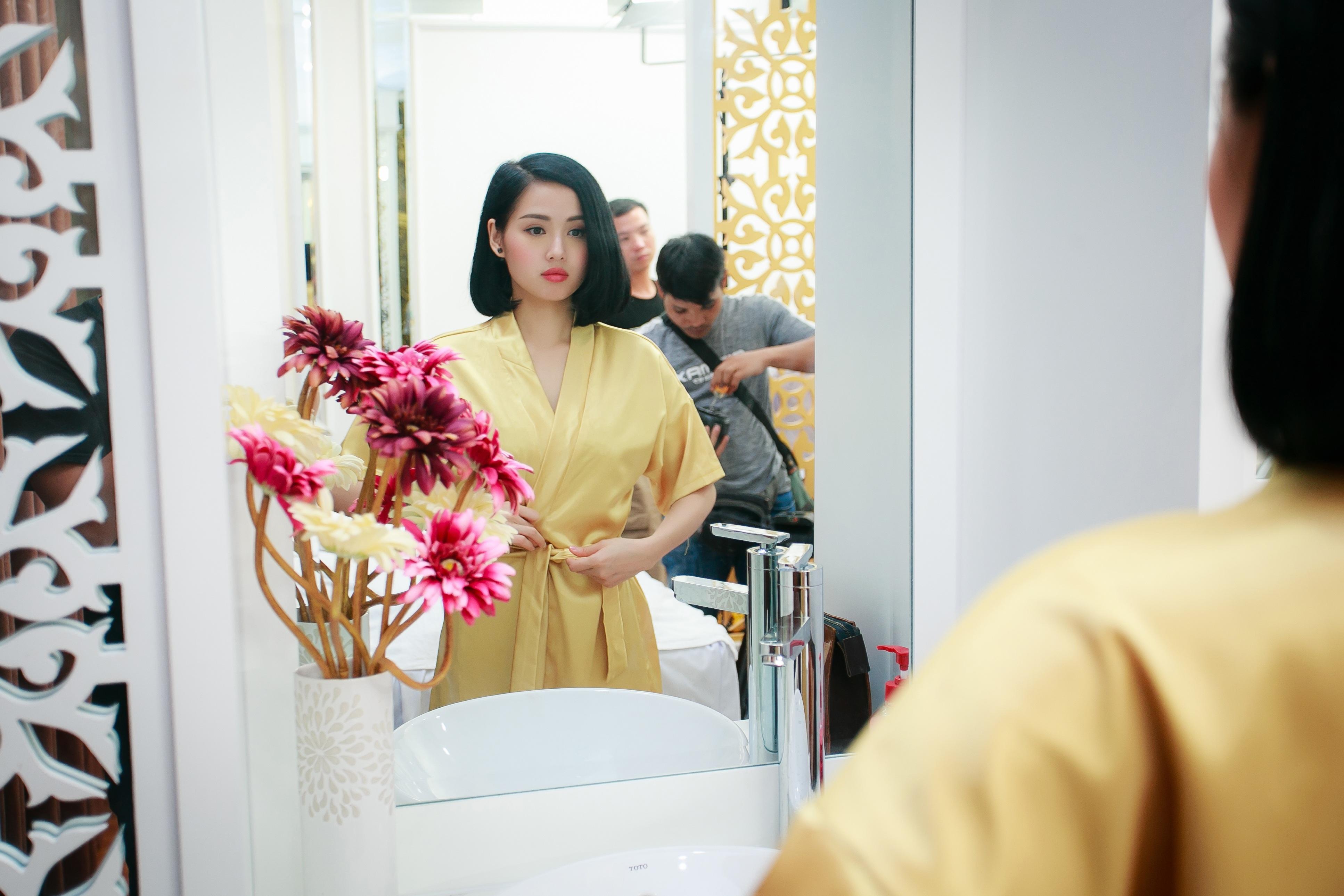 Tâm Tít kết hôn cùng thiếu gia Ngọc Thành vào đầu tháng 1 vừa qua. Chồng cô được nhận xét là có ngoại hình điển trai, thông minh, gia đình khá giả, rất xứng đôi vừa lứa với người đẹp.