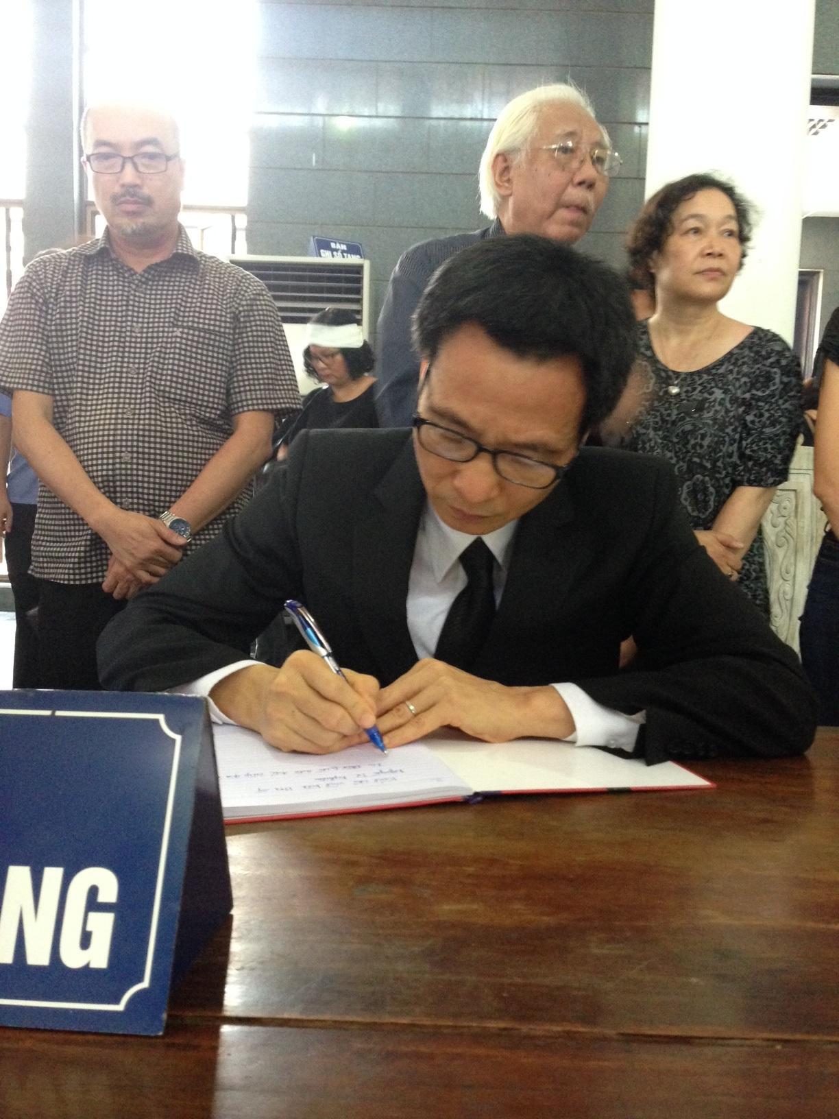 Phó Thủ tướng Vũ Đức Đam tiễn biệt danh họa Nguyễn Tư Nghiêm - 4