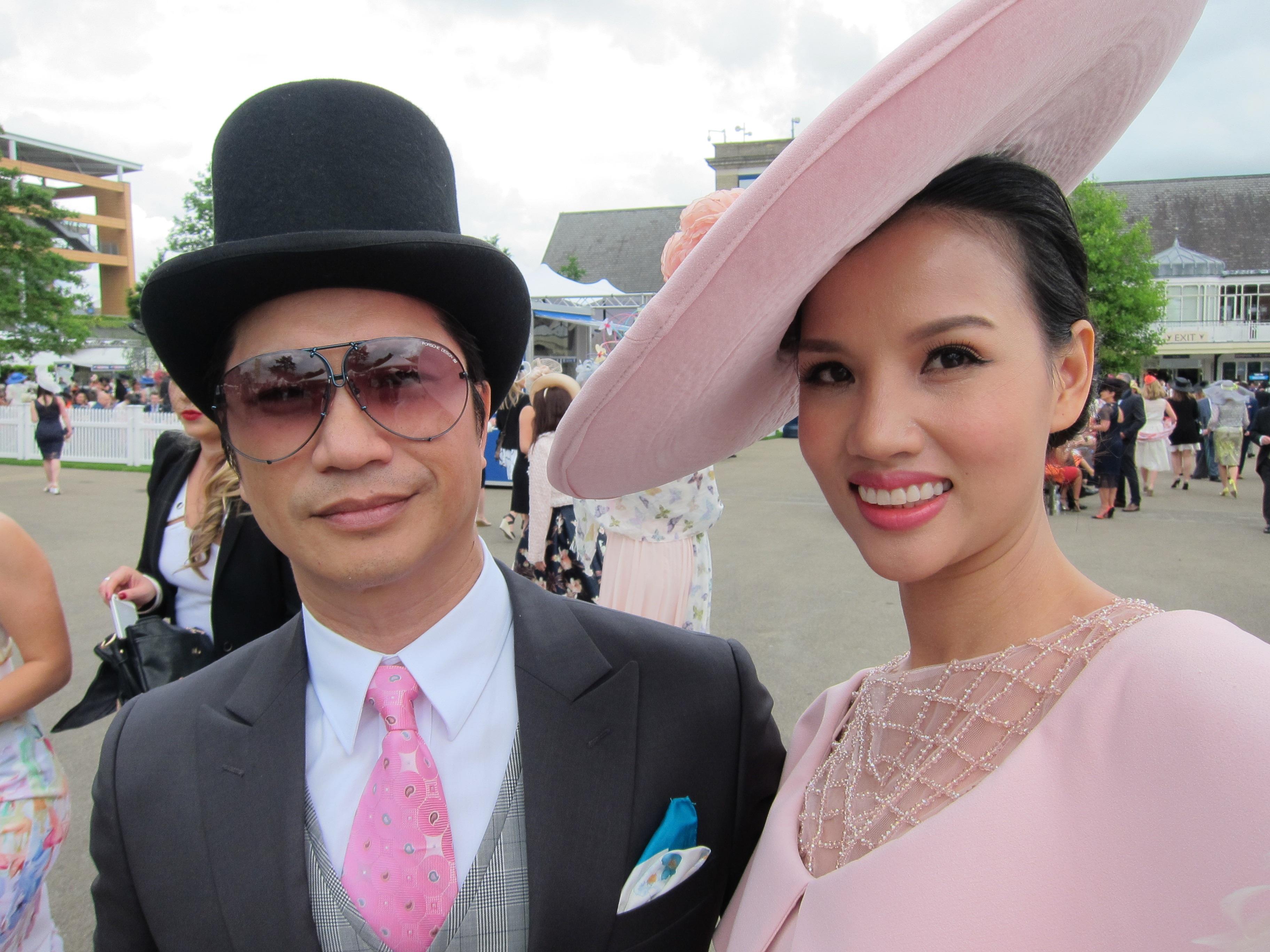 Dustin Nguyễn - Bebe dự đua ngựa mừng sinh nhật nữ hoàng Anh 90 tuổi - 15
