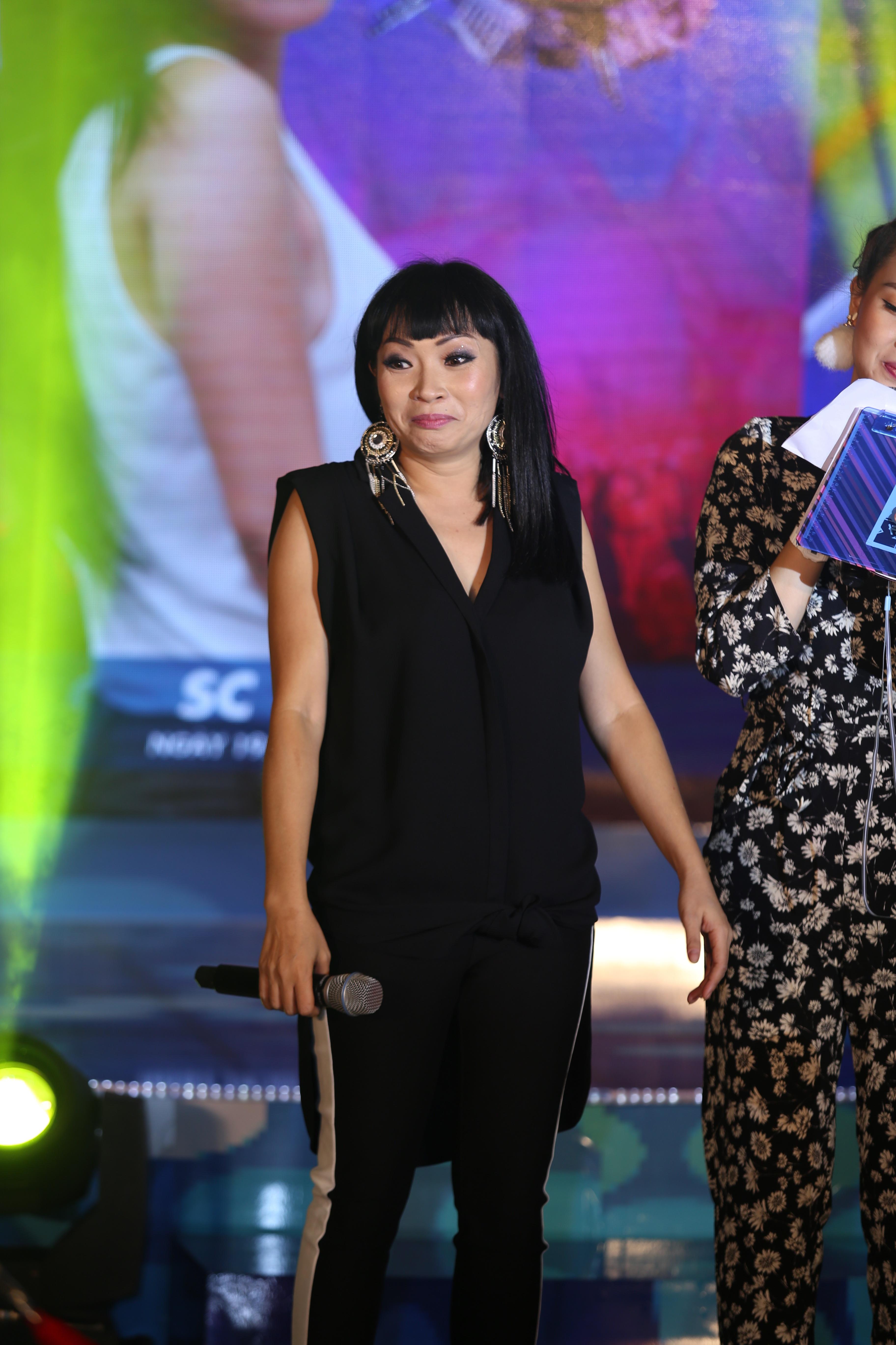 """Với khoảnh khắc hát live không cần nhạc đệm, Phương Thanh đã khiến khán giả """"đã"""" liên tục với giọng hát từng trải và những quãng cao chạm vào những mạnh cảm xúc nhạy cảm nhất làm cho toàn bộ khán giả khó tính nhất cũng phải yên lặng lắng nghe cô hát."""