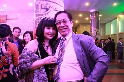 Vợ chồng NSND Lan Hương - Tất Bình trong một sự kiện tại Hà Nội. Ảnh: TL.
