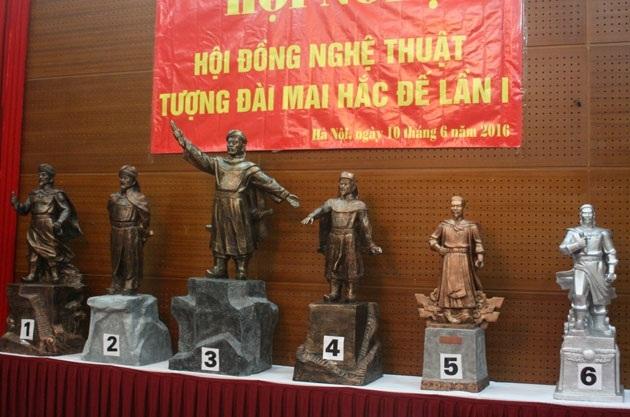 Các mẫu tượng trong lần sơ tuyển tại Hà Nội. Ảnh: TL.