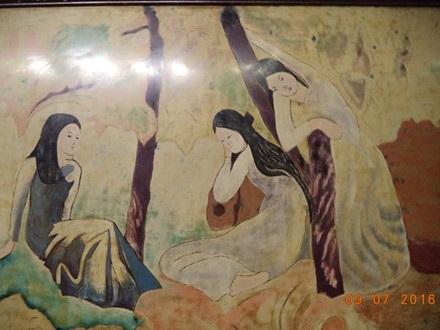 Bức Ba cô gái của danh hoạ Bích Liên bị nhiều người cho là tranh giả. Ảnh: TL.