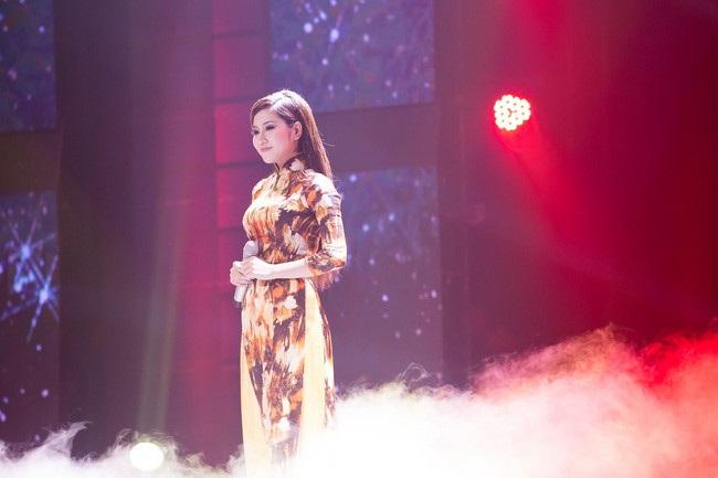 Tố My trong hình tượng ca sĩ Như Quỳnh ở chương trình Biến hoá hoàn hảo. Ảnh: ĐT.