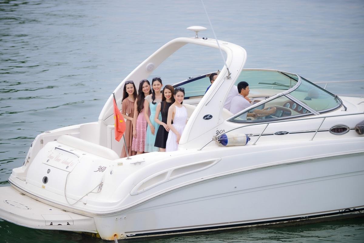 Người đẹp Hoa hậu Việt Nam khoe sắc trên du thuyền triệu đô - 7