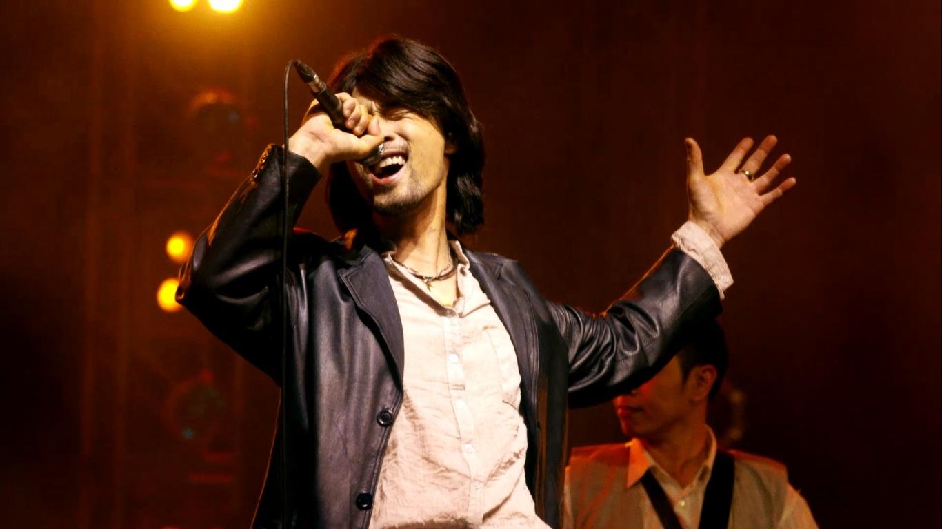 Nhiều người chê Johny Trí Nguyễn bị đơ khi biểu cảm cảm xúc nhân vật trong nhiều cảnh quay.